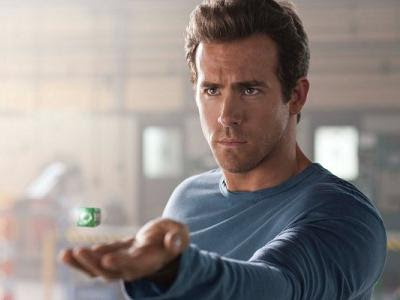 ryan reynolds shirtless amityville horror. house Ryan Reynolds Pictures ryan reynolds green lantern underwear. ryan