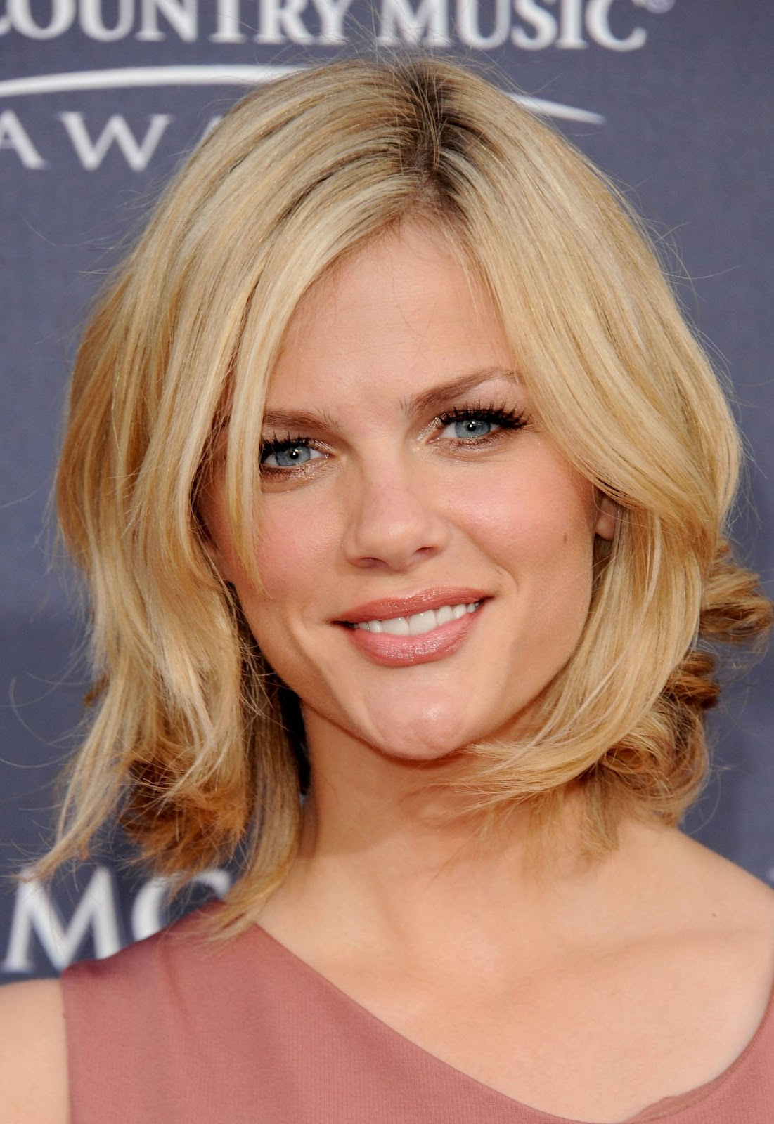 celebrity shoulder length layered hairstyles for 2011