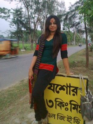 Bangladeshi Hot Girl  Picture
