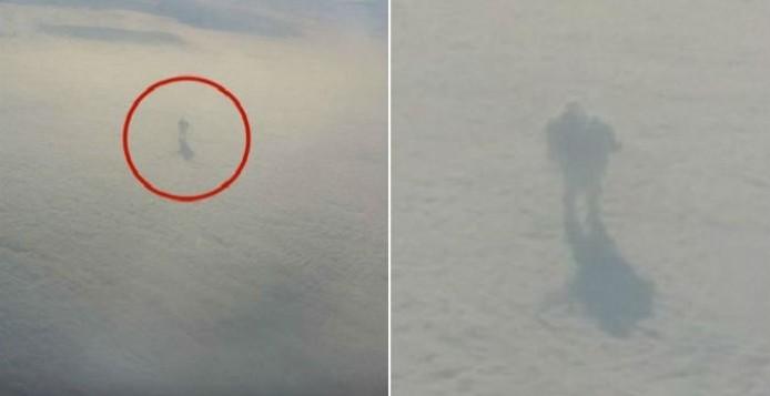 Επιβάτης αεροπλάνου καταγράφει με κάμερα περίεργο πλάσμα πάνω από την Αυστρία [Βίντεο]