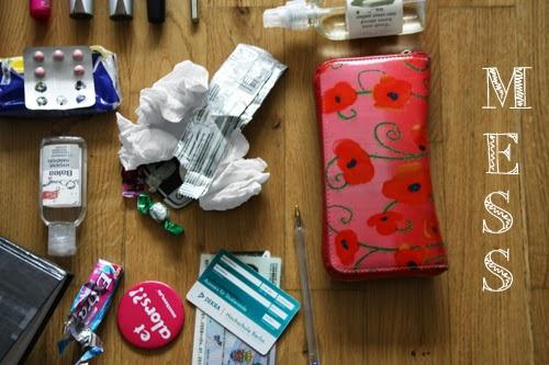 junk in the trunk Blogger Tasche student Journalismus studieren Balea Review Hygienegel