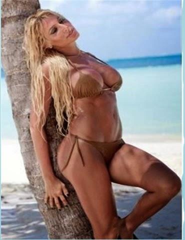 Xipolitakis disfruta un dia playa