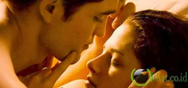 Bulan Madu Edward dan Bella Twilight Breaking Dawn part 1