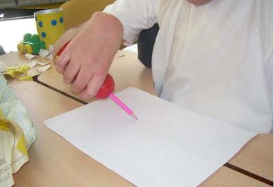 Soporte de agarre para lápices y cubiertos
