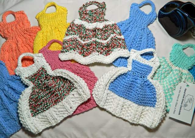 Knitting and Sewing My Way Through Life: Dress Dishcloths at the Holiday Bout...