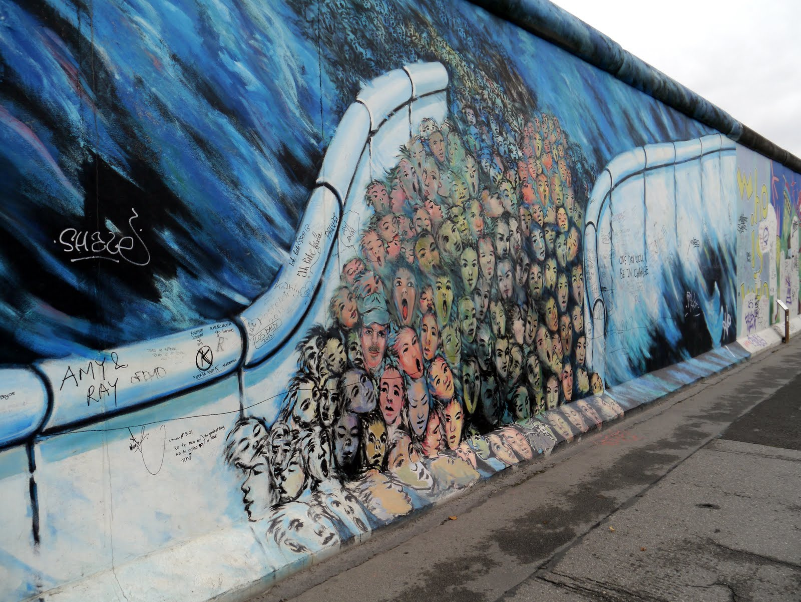 Grafiti wall berlin - When We Got To The End It Was A Bit Surreal Seeing How Thick The Berlin Wall Actually Was A Few Feet Of Concrete Divided Families A Country