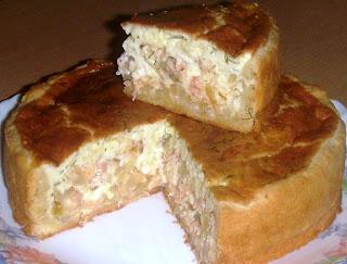 Сырно-луковый пирог с рыбой