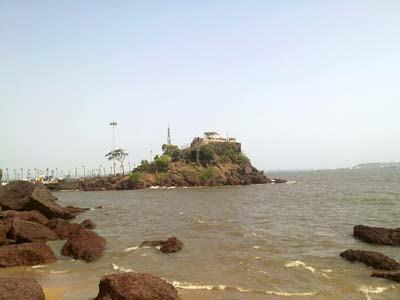 Sea Pebble, Restaurant - Dona Paula