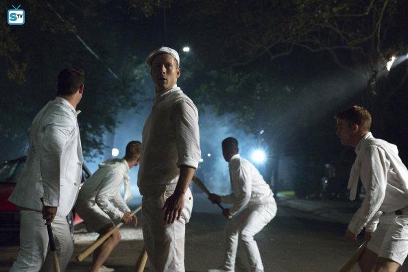 Imágenes promocionales del 1x03: 'Chainsaw'