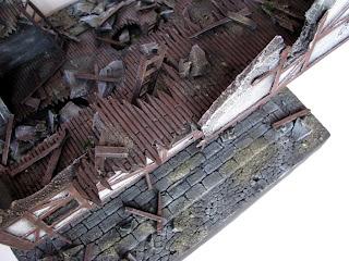 Rumowisko na makiecie budynku do gry bitewnej Mordheim