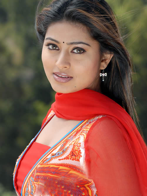 Tamil Actress Sneha Without Dress Images & Pictures - Becuo