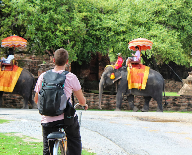 en bici por ayutthaya