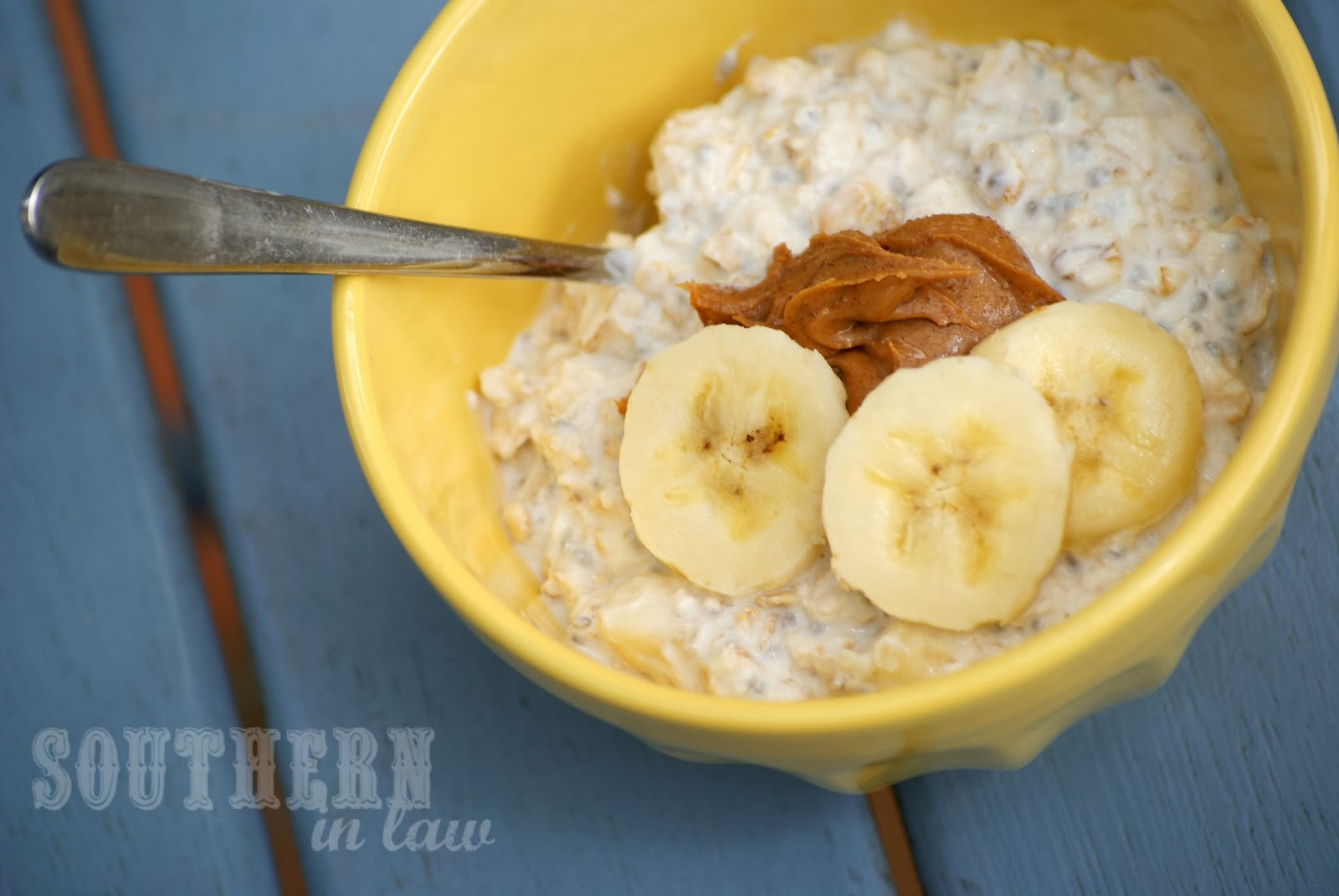 Overnight Oats with Yogurt, Peanut Butter and Banana