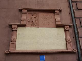 Bild 5: Neptunstein Ettlinger Rathaus