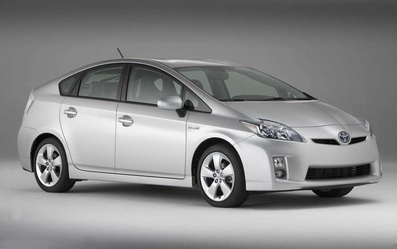 toyota prius hybrid car review and specification. Black Bedroom Furniture Sets. Home Design Ideas