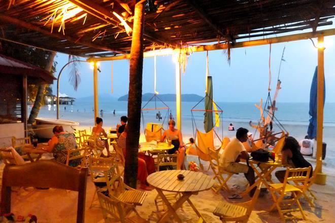 yellow cafe - Yellow Restaurant 2015
