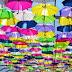 La ciudad de los paraguas o cómo revivir un barrio con muchos colores