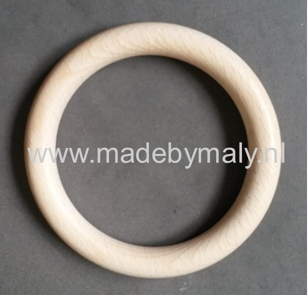 MadeByMaly: Houten ringen en haakwerk...
