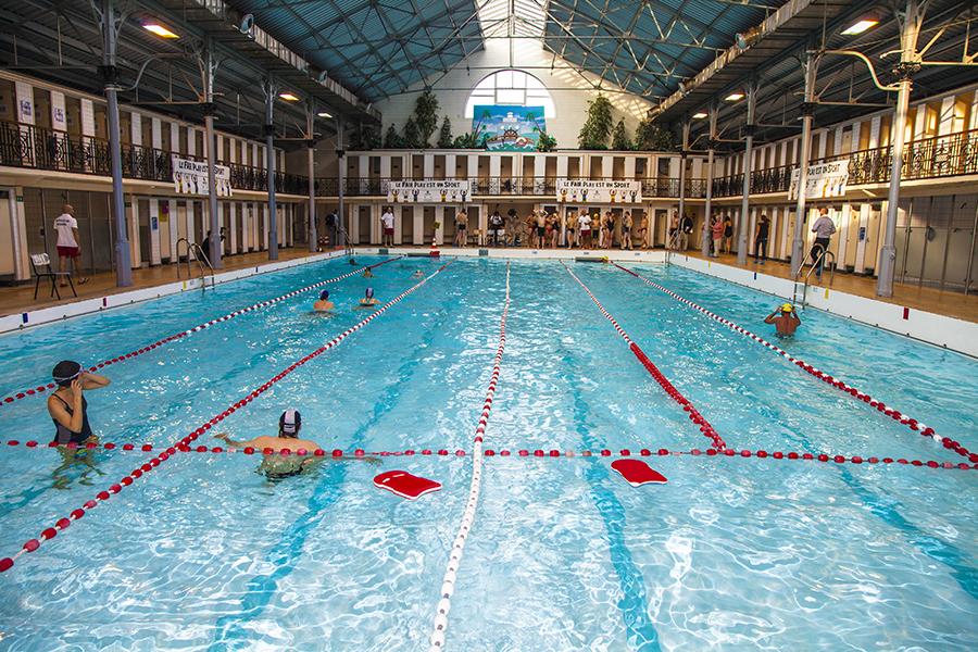 Ben heine art and music blog swimming for psoriasis for Piscine ixelles