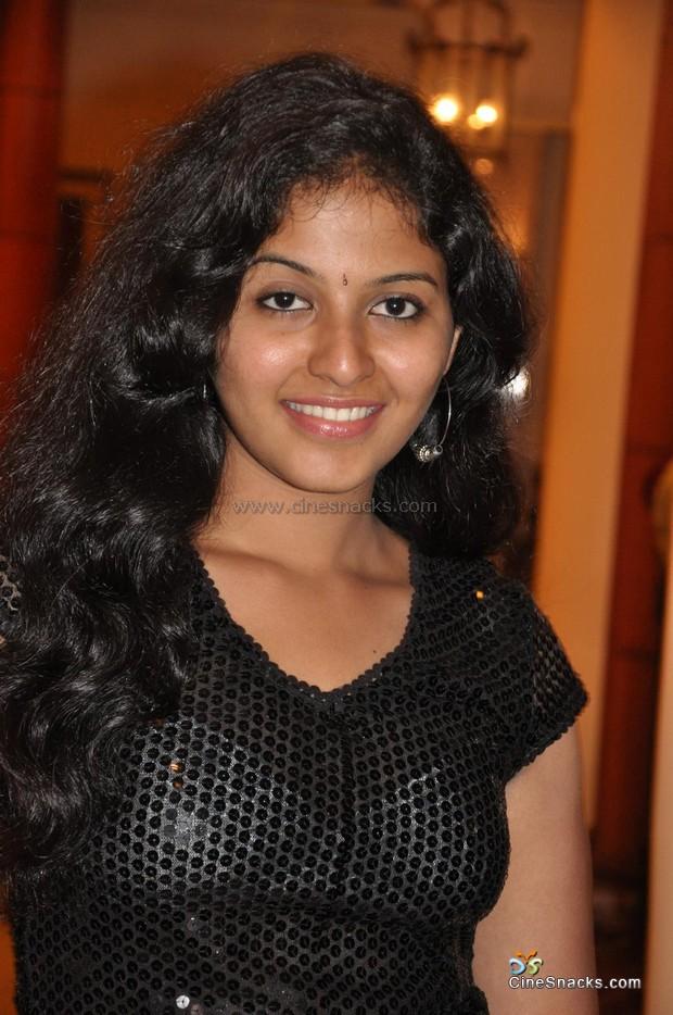 transparent girls Indian in desi dress hot