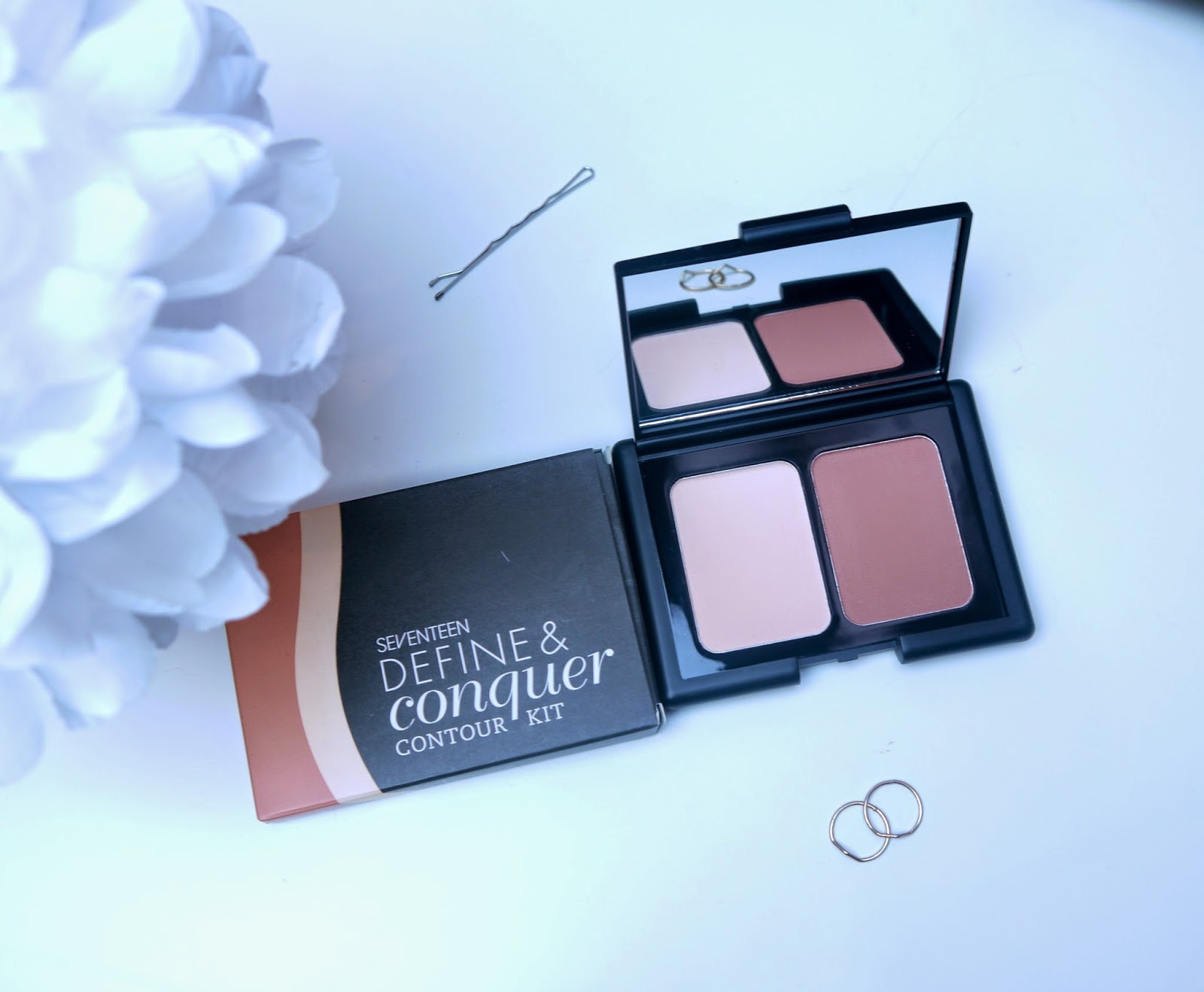 Seventeen Define and Conquer Contour Kit Review