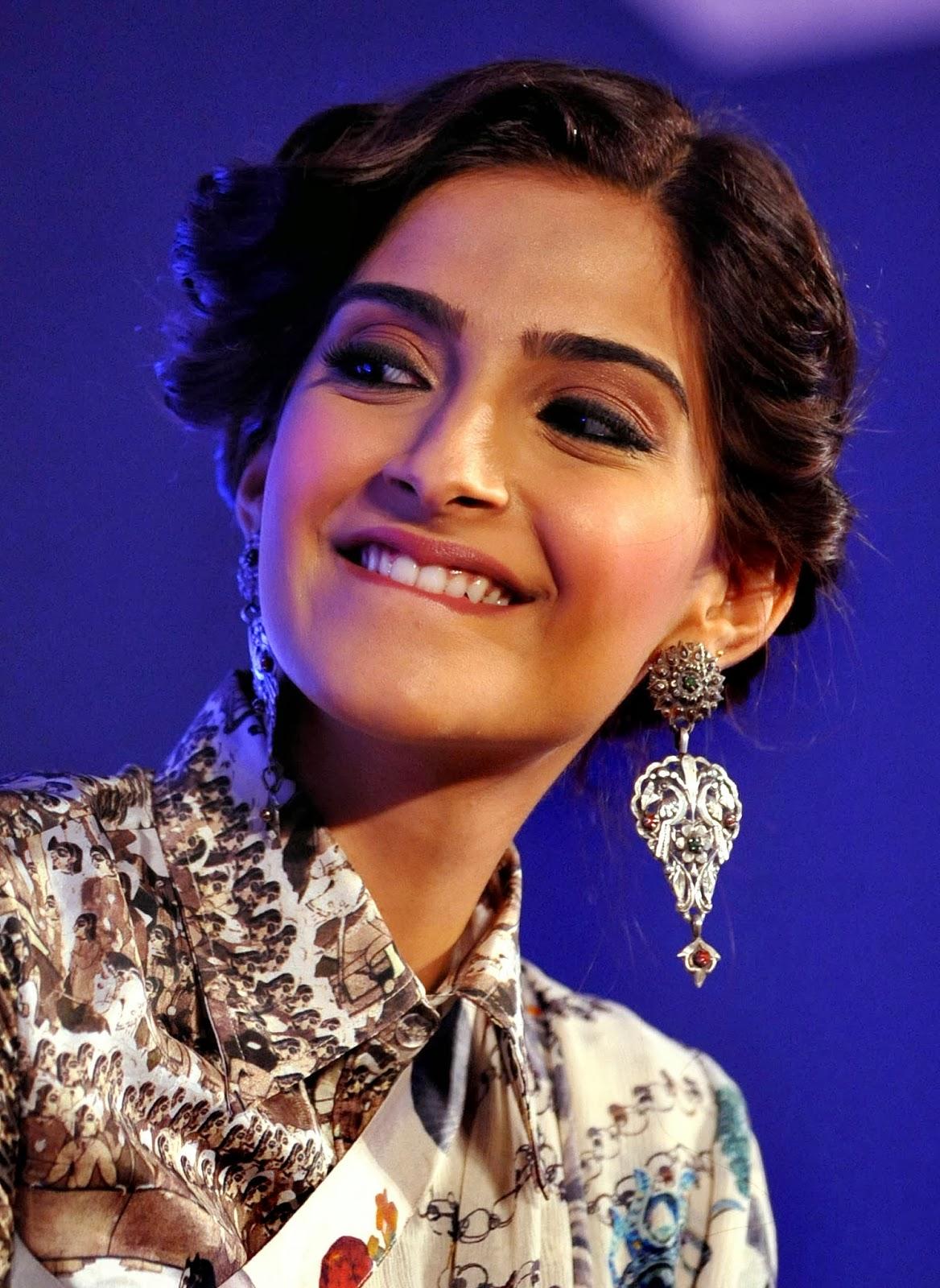 Actress, Awards, Bollywood, Brand Ambassador, Entertainment, Femina Women Awards, L'Oreal Paris, L'Oreal Paris Femina Women Awards 2014, Showbiz, Sonam Kapoor, News,