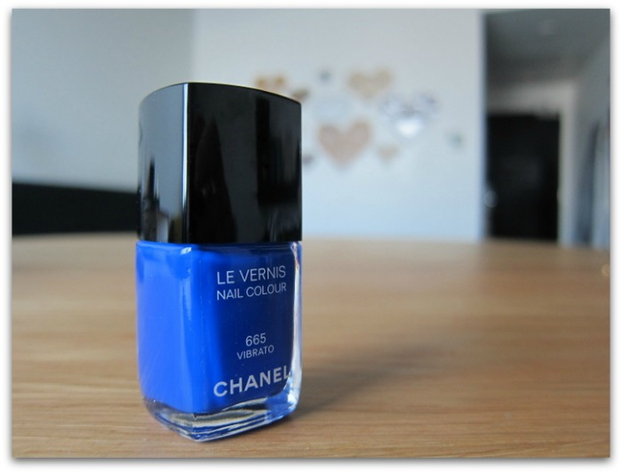 Chanel Le Vernis Nail Colour Vibrato