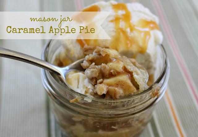 The Larson Lingo: Mason Jar Caramel Apple Pie {with Streusel Topping}