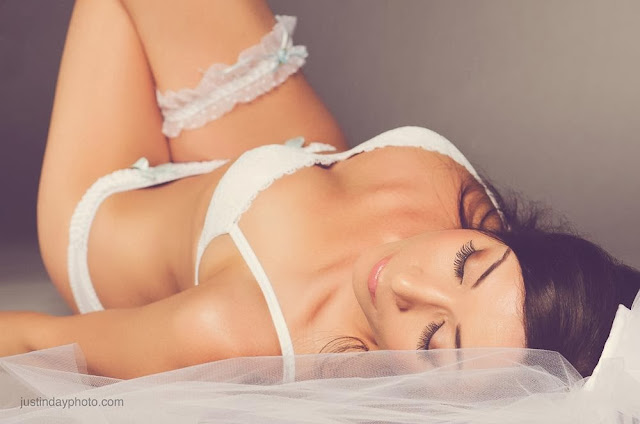 Boudoir makeup and Hair