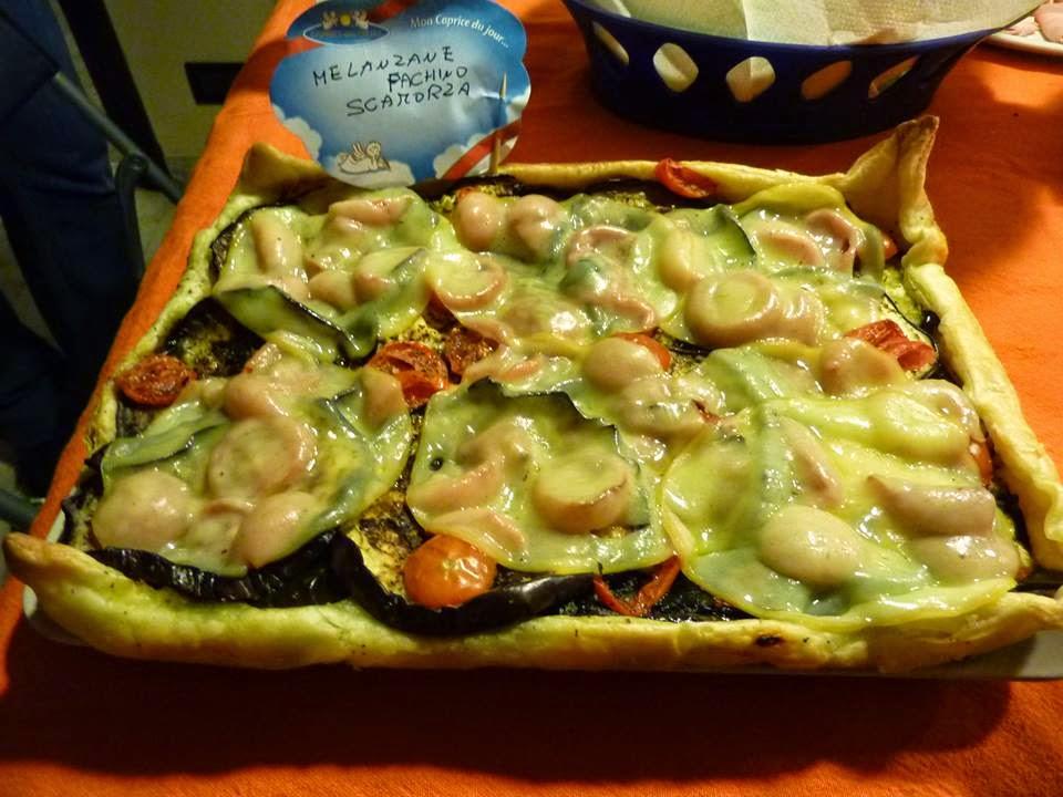 torta salata melanzane, pachino e scamorza affumicata