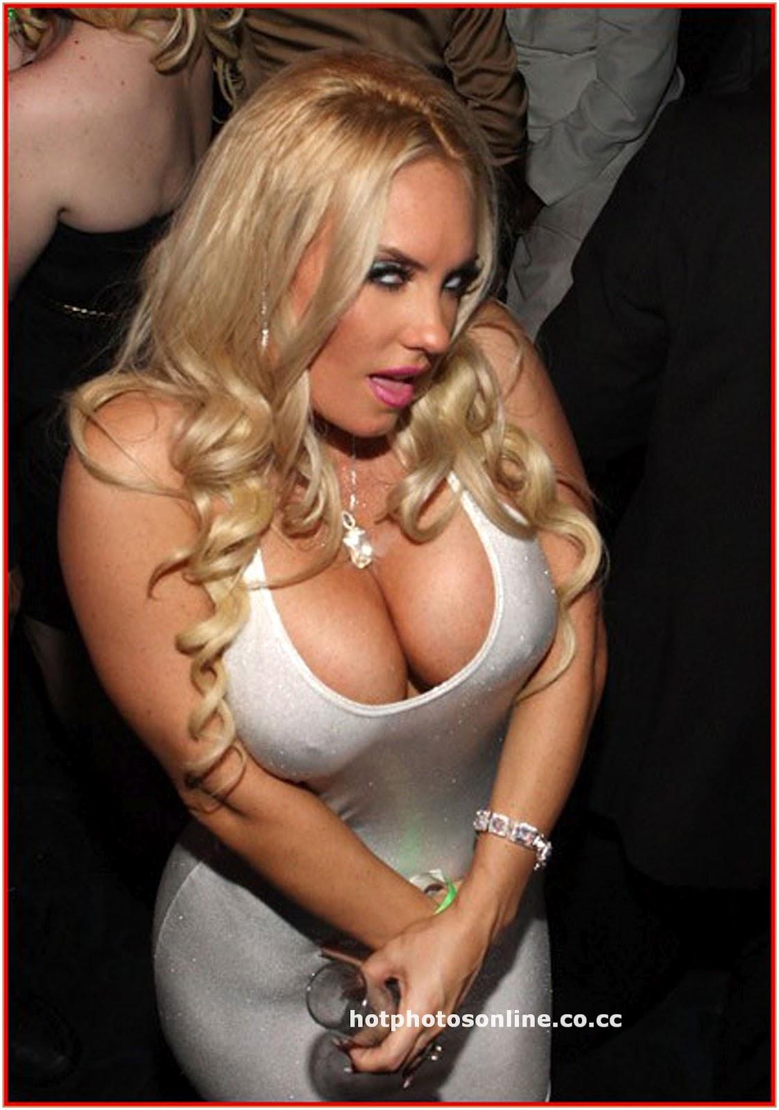 Sexy women big butt an brest porn