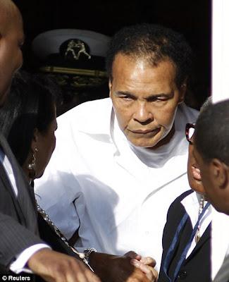 Muhammad Ali pulih daripada dehidrasi selepas menakutkan hospital