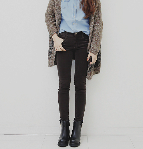 Adorable grey oversize cardigan, with blue shirt and black long boots