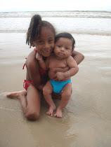 Arthur e Sua Irmã Thayane
