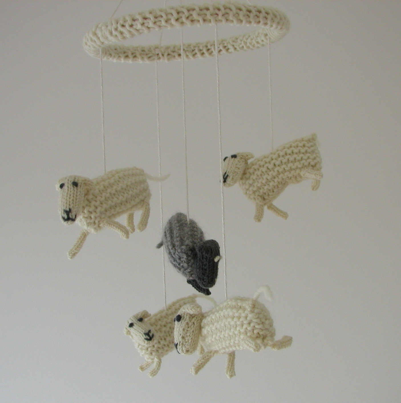 Sheep Knitting Pattern Free Download : Hand Knitted Things: Counting Sheep Mobile Free Download