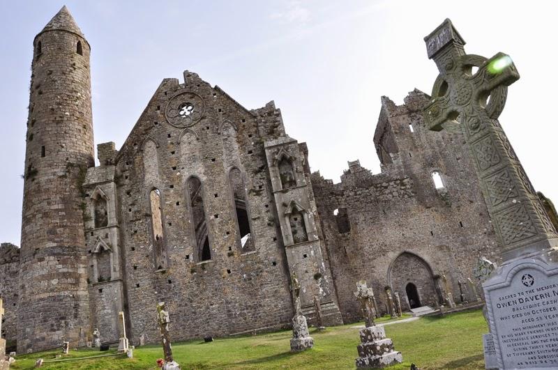 Irland 2014 - Vorspann | Heritage Card | Die Ruinen des Rock of Cashel