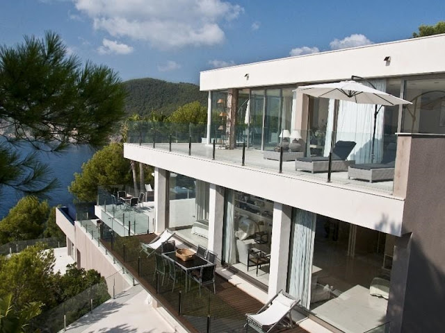 Balconies and terraces on the modern dream home