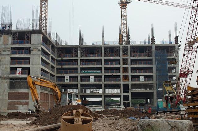 Tòa CT4 dự án Eco Green City đã xây lên tầng 10