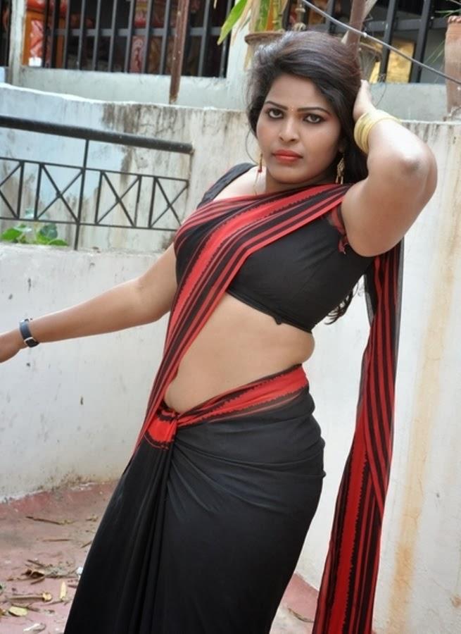 sexy desi aunty actress sitara saree below navel show
