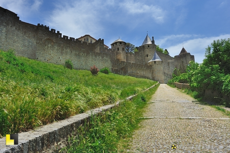 Calade de la porte de l'Aude Carcassonne photo pascal blachier