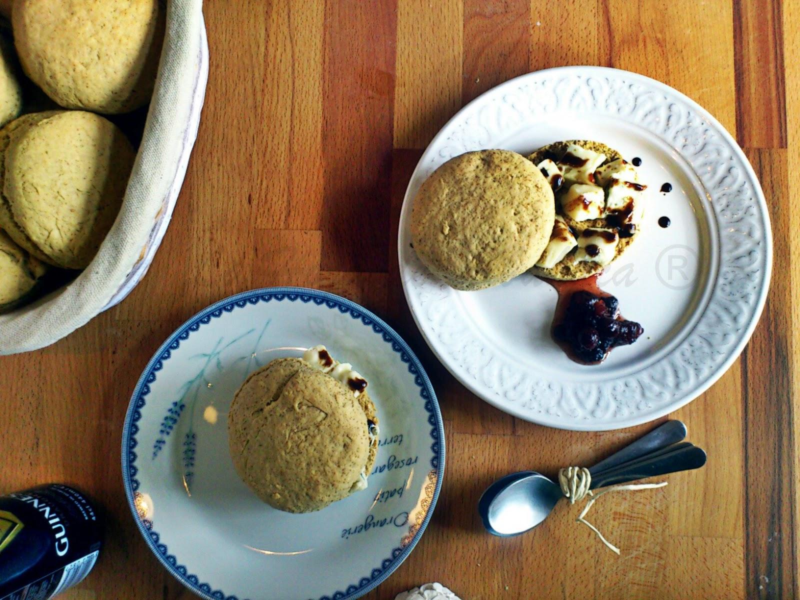 Irish scones, scones, gorgonzola, reducción vinagre de modena, guinness