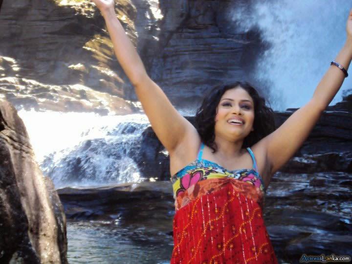 Sri Lankan Actress Sweety Hot Armpit