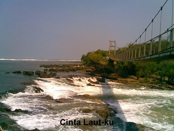 jembatan diatas laut