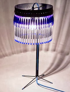 Lamp with pens