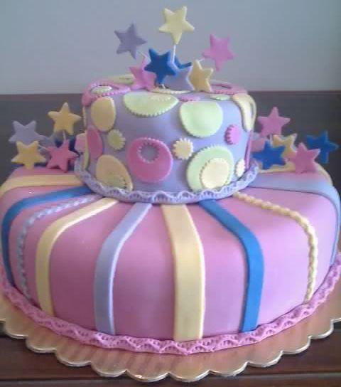 Tortas y decoraciones torta multicolor for Decoracion de tortas espejo