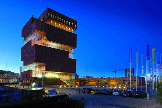 03-Museum-aan-de-Stroom-by-Neutelings-Riedijk-Architects