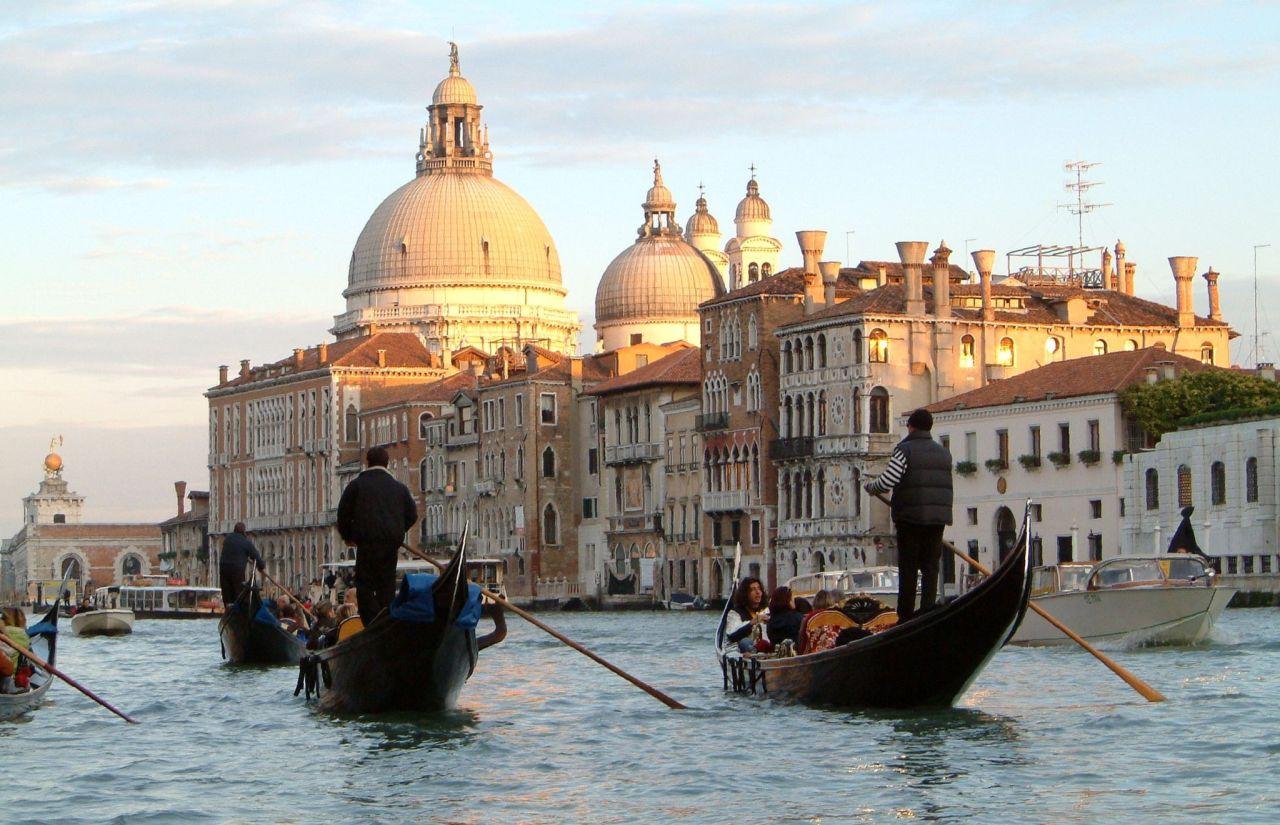 Franciskas Vakre Verden: Noen som har reisetips til Venezia, Dubrovnik