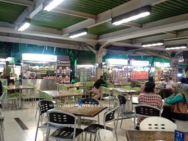 Nongkrong Asik di Amaliun Food Court Medan