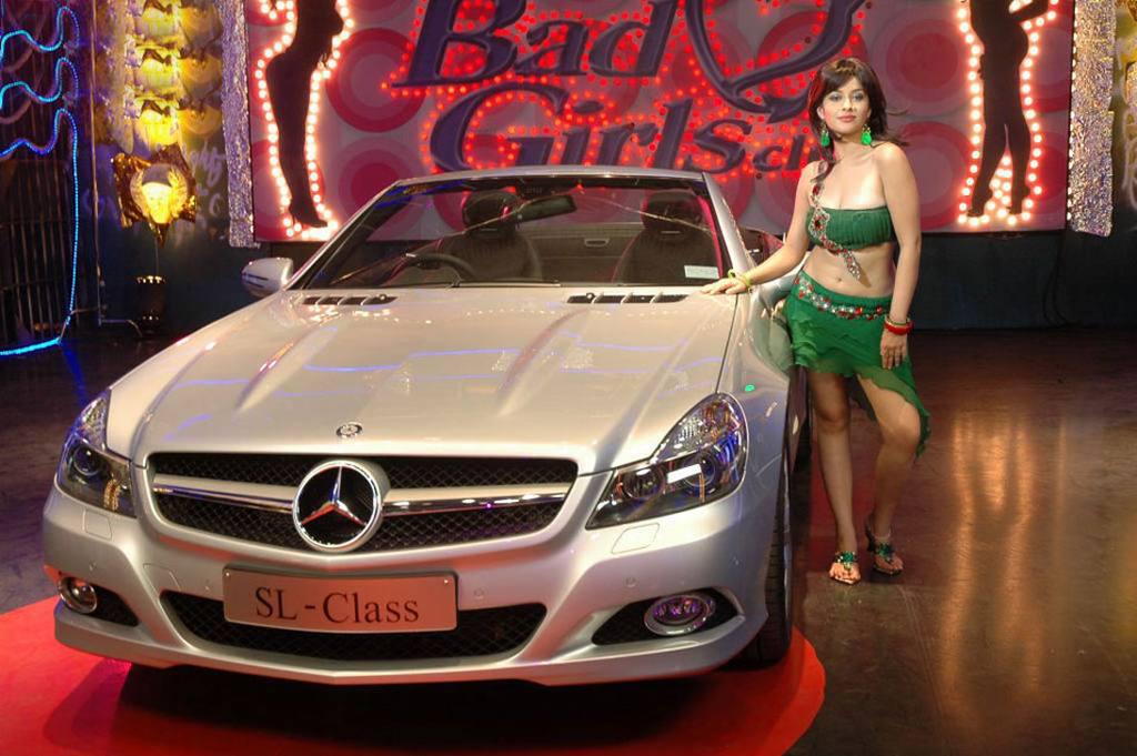 Mahankali Movie Heroine Madhurima Latest Stills