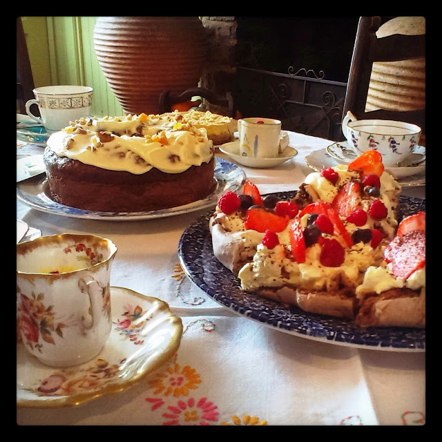 Vintage Tea Party - Meringue and Ginger Cake